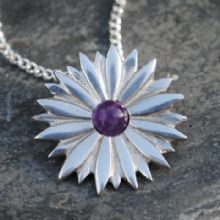 Daisy pendant necklace  with amethyst  P24
